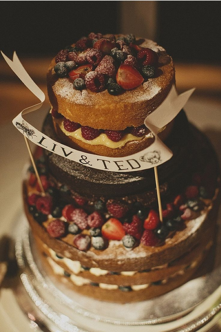 Naked wedding cake, this is very english tea party wedding. If I was to get married I would have this cake. It's simple, easy to recreate and very scrummy  #diywedding