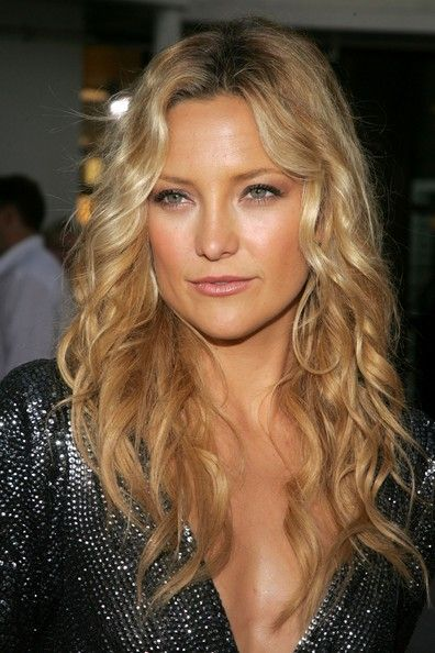 Kate Hudson: beautiful with natural curl and great colour.