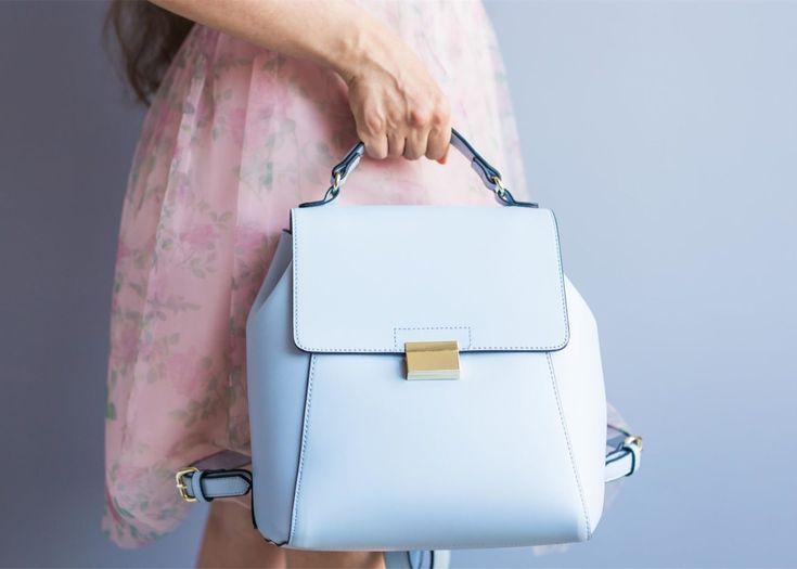 Seid ihr auf der Suche nach einer Tasche? Dann solltet ihr euch eine der schönen FURLA Taschen gönnen. Hübsche Modelle gibt es JETZT super reduziert! Es sind sogar die angesagten Metropolis-Modelle mit dabei. Schnell hin und einen neuen Fashion-Liebling zum kleinen Preis sichern.