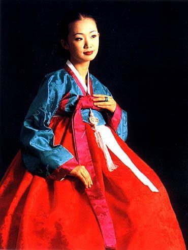 hanbok- courtesy of Seo, Young-Ae