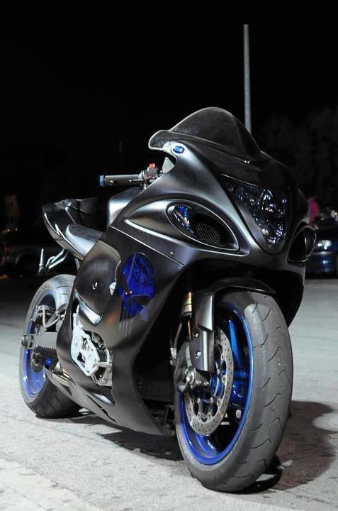 Merveilleux Black And Blue Hayabusa.