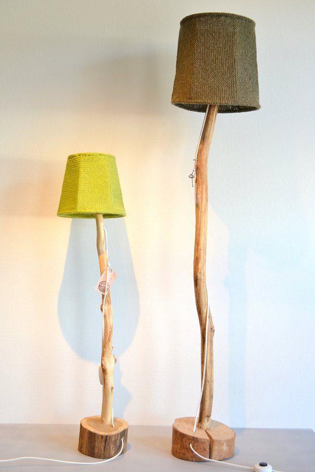 Gebreide lampen op houten voet. Gemaakt door werklocatie De Pannenhoef, Aalsterweg 291b in Eindhoven. Te koop bij LuuXX Geldrop en LuuXX Twinkelbel, Kleine Berg 65 in Eindhoven.