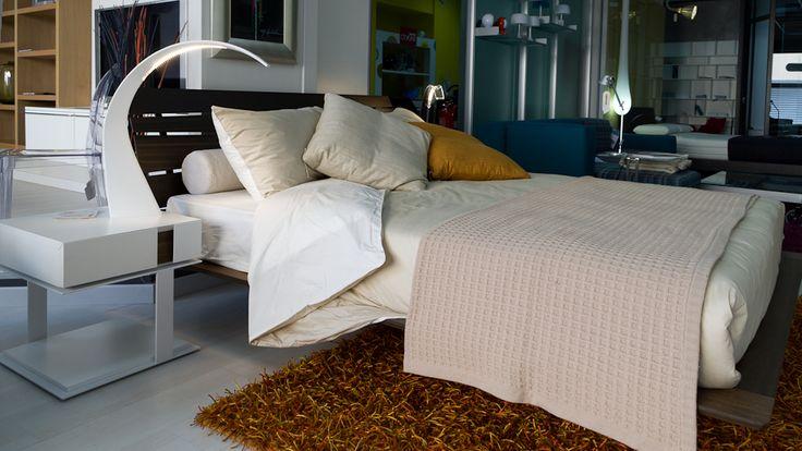 Presotto- letto Tango_wood; Presotto - comodino Inside; Kartell - lampada Taj