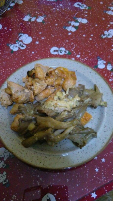 Φιλέτο κοτόπουλο μπουκιές,  μαριναρισμένο με ψητά μανιτάρια πλευροτους....