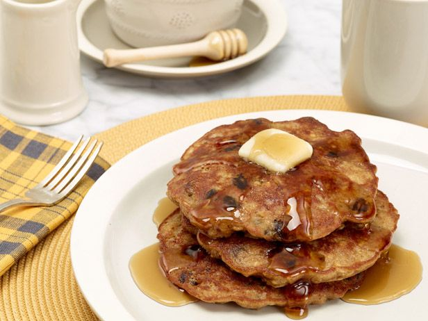 What's cooking? Pancakes!Food Network, Oatmeal Cookies, Breakfast Ideas, Pancakes Recipe, Oatmeal Pancakes, Families Breakfast, Cookies Pancakes, Rachael Ray, Breakfast Recipe