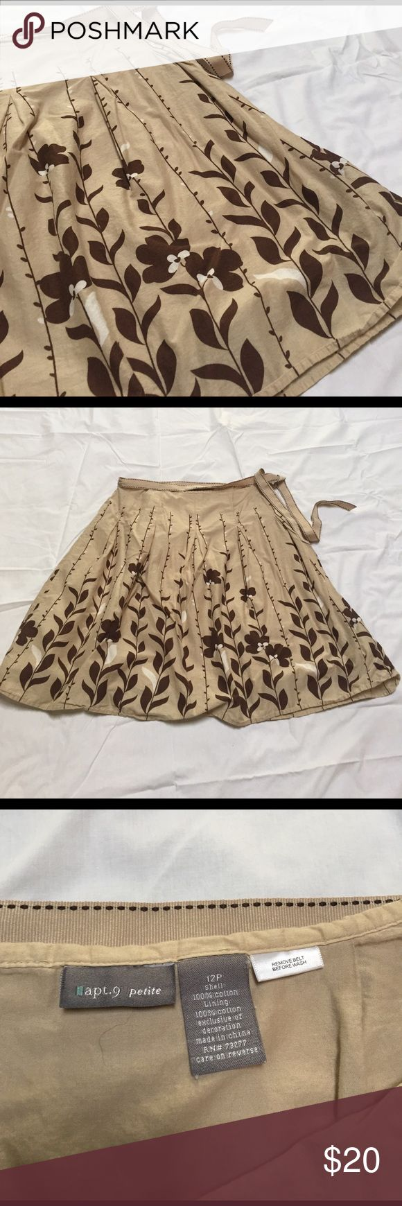"""Apt. 9 petite skirt Tan with brown and white floral pattern. Fully lined. 15.5"""" across the waist,  23"""" length Apt. 9 Skirts Circle & Skater"""