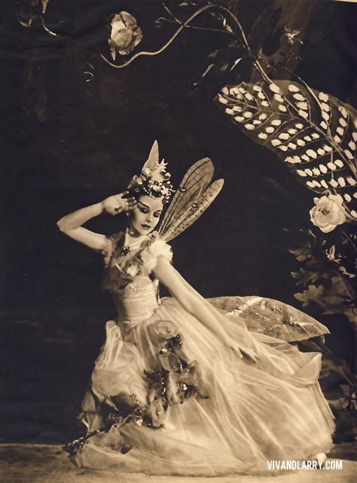 Vivian Leigh as Tatiana in Midsummer Night's Dream. Costumes by Oliver Messel