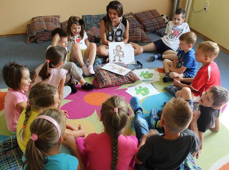 No keby aj mňa takto niekto učil anglicky, keď som bola dieťa, teraz by to vyzeralo inak :)  http://www.bilingvi.sk/blog/anglictina-pre-deti-lcf-metodou--skutocna-skola-hrou