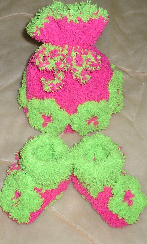 Вязаный комплект  для малышки,шапочка и пинетки для малышки ,вязание для малышей,вязание на заказ,ручная работа