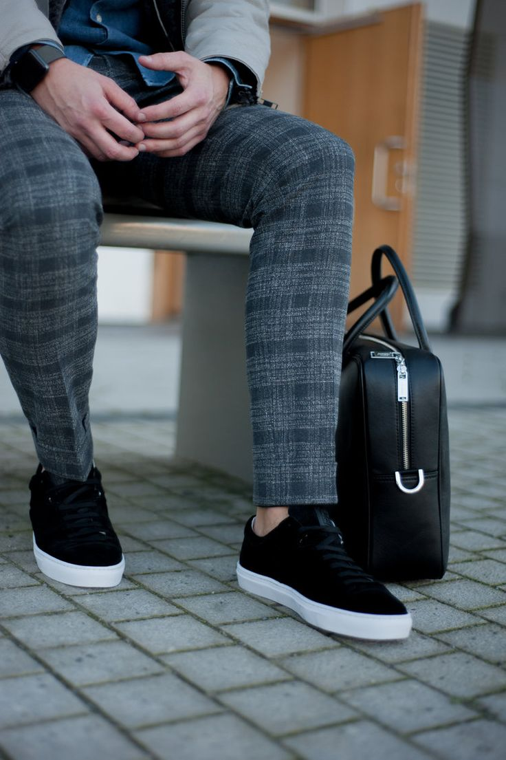 JIM RICKEY SNEAKERS & BAG