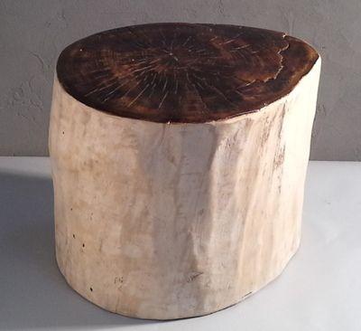 Tabouret en bois flott avec l 39 assise teint et vernis for Bois flotte suisse