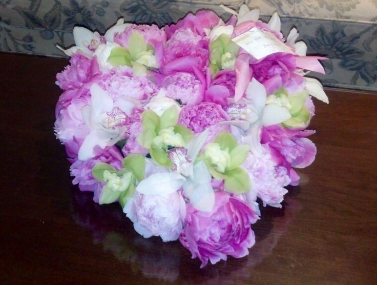 Beautiful pink and white arrangement. Toronto/GTA florist   #peonies