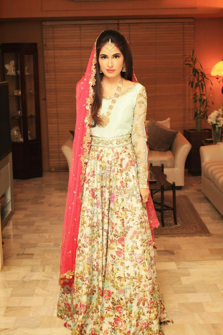 This is such a beautiful and fun lehnga, I feel like she could have rocked it a bit better.