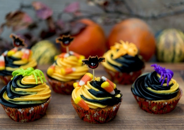 Kids In The Kitchen For Halloween Spooky Cupcakes