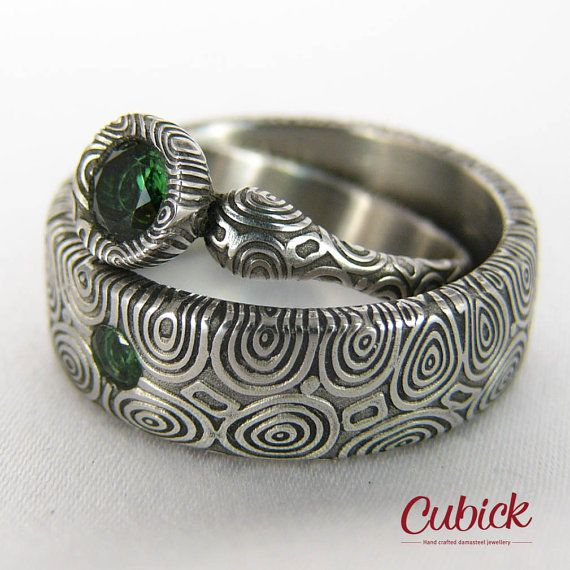 Greenerin damascus steel weeding ring with green by AtelierCubick