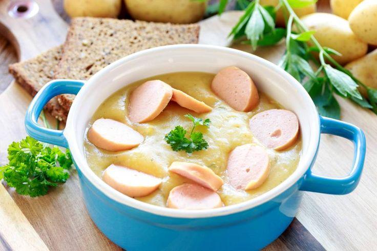 Omas Kartoffelsuppe mit Wiener Würstchen: Ein Klassiker