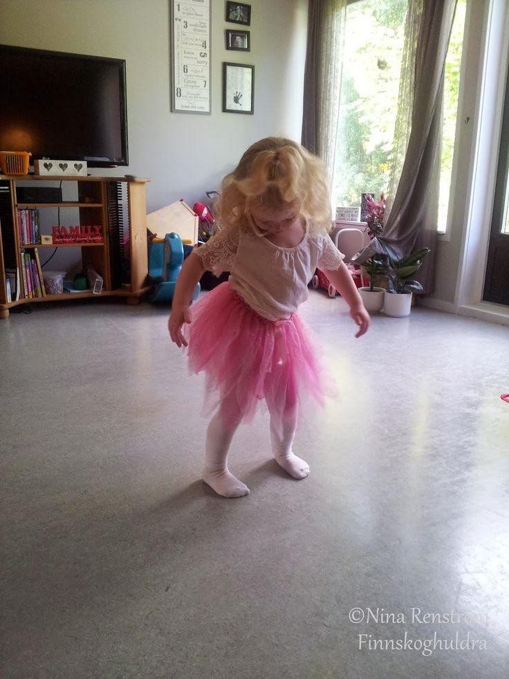 Finnskoghuldra's blogg: Ei prinsesse er født og ei har hatt bursdag!! :)