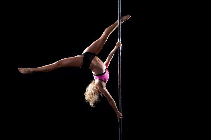 Myślałyście o zapisaniu się na lekcje tańca na rurze? Poznajcie zalety tego pięknego sportu! #100club #sport #fitness #poledance