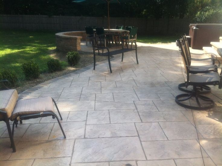 Hereu0027s A Stamped Concrete Patio Using A Large Rectangle Shapes Pattern.