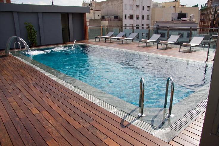 Piscina en la Azotea Hotel Santo Domingo. http://hotelsantodomingo.es/