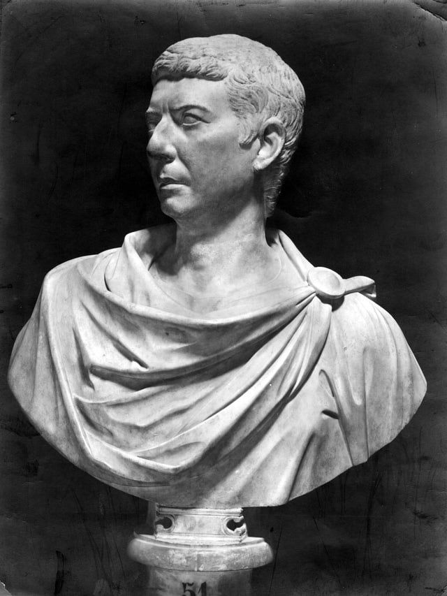 Learn About the Powerful First Triumvirate: Caesar, Crassus and Pompey and The First Triumvirate
