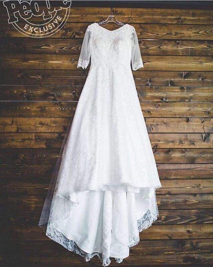Joy Anna Duggar's wedding dress.