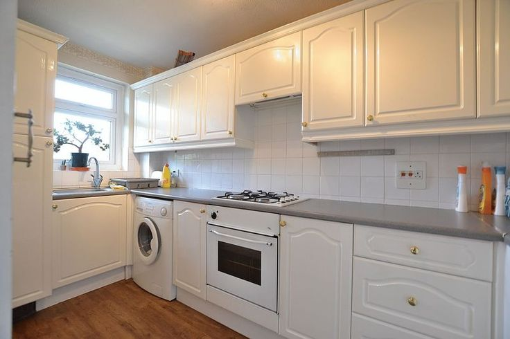 TO LET  Spacious 1 bed flat  Oaklands Road  #Bromley  £995pcm +Fees http://www.vincentchandler.co.uk/properties-to-let/property/2006952-oaklands-road-bromley