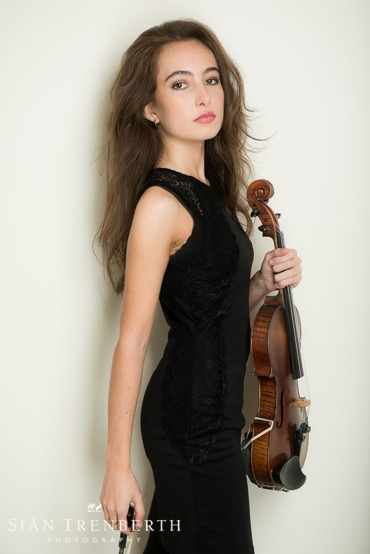Photo shoot with second year violin student at Royal Welsh College of Music and Drama. http://www.sian-trenberth.com/headshots.html#thumbs-6
