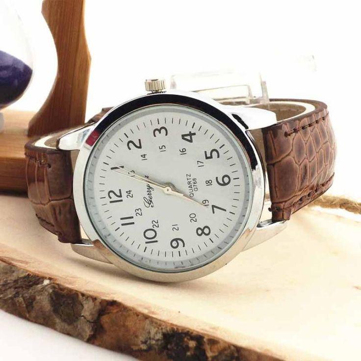 Men's Analog Quartz Watch with Leather Strap