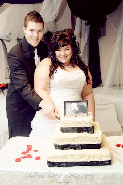 Shalene Dawn Photography | Bride & Groom Wedding Cake