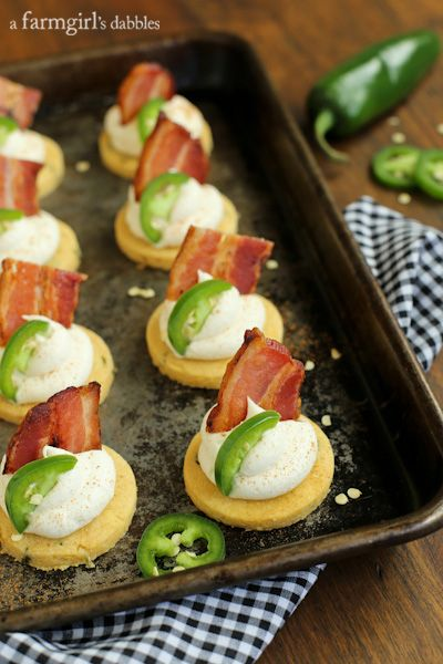 Jalapeno Corn Cakes with Honey Whipped Goat Cheese and Bacon from afarmgirlsdabbles.com #bacon @porkbeinspired