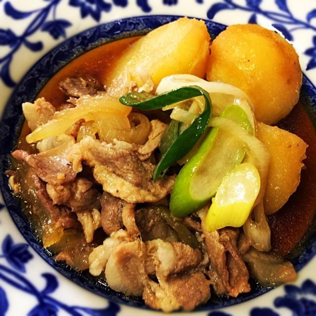 3月16日夕食メニュー ⚫︎肉じゃが ⚫︎和風サラダ ⚫︎豚玉味噌汁 - 6件のもぐもぐ - 肉じゃが by 下宿hirota&メゾンhirota