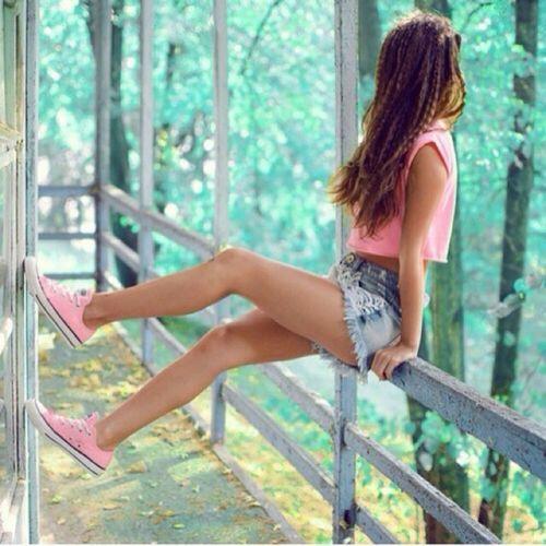 春夏になると一気にファッションもカラフルに。今年買うなら絶対ピンクアイテム♡今回は大好きなブランドから登場したおしゃれなピンクスニーカーだけを紹介します!女の子が1番可愛く見える、ピンクをスニーカーで取り入れてカジュアルとガーリーをどっちも欲張りオシャレをしましょ♡