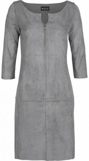 Du magst das Gefühl von Wildleder auf der Haut? Dann ist dieses Outfit wie für dich gemacht! Das schöne Laura Scott Etuikleid in Grau ist natürlich aus Wildlederimitat sowie die Overknee Stiefel von s. Oliver. Mit einem beige ONLY Mantel und einer beige Handtasche wird das schöne und schicke Outfit abgerundet.
