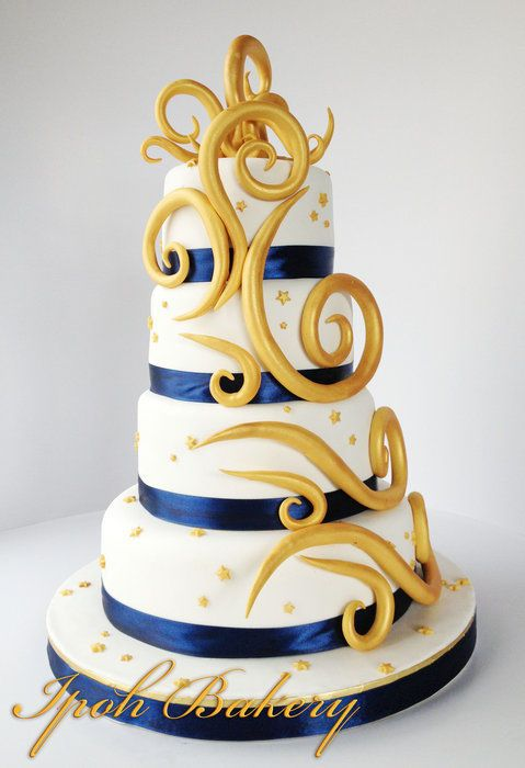 Gold & Navy Blue wedding Cake - Cake by William Tan - CakesDecor