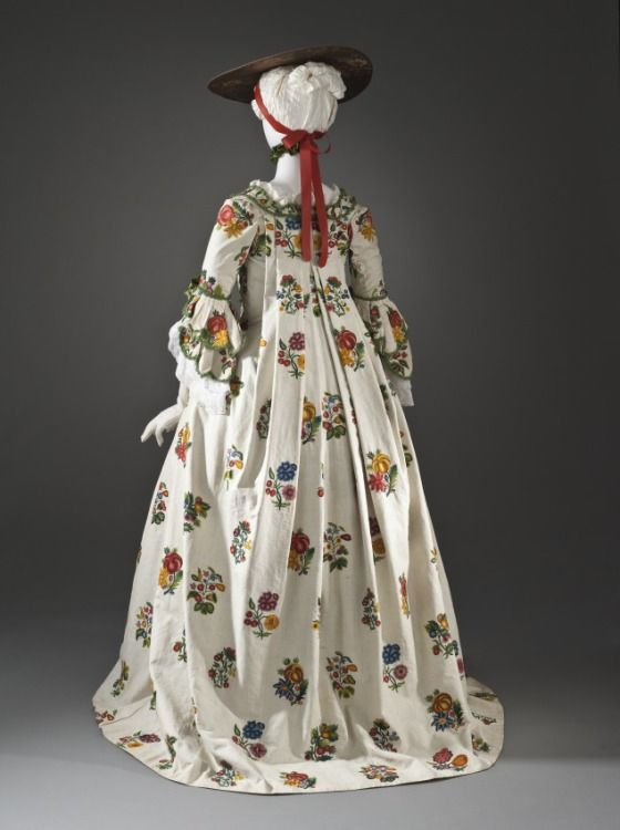 Back, Robe a la francaise, linen embroidered with wool, constructed c. 1760 from fabric embroidered c. 1750, French.