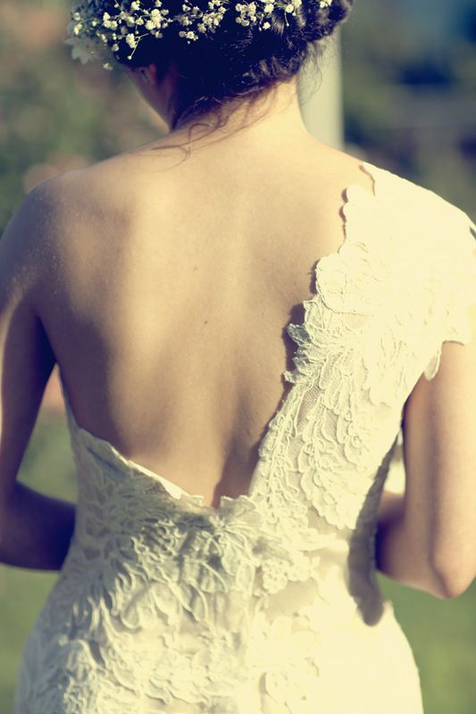 I might be a tad bit obsessed with this Ulla-Maija Couture wedding gown...: Tattoo'S Idea, Columns Weddings Dresses, Couture Gowns, One Shoulder, Couture Bridal, Weddings Dresss, Shoulder Tattoo'S, Couture Weddings Gowns, Dresses Weddings