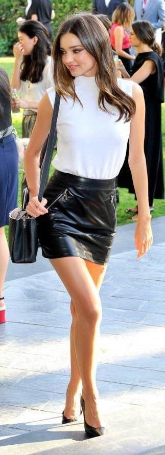 Модные тенденции. Короткие мини юбки девушек: стильно и красиво Все новое из мира моды, фото и обзоры, обсуждения и отзывы. #мода #модный_маникюр #Модные_прически #мода_фото #модные_тенденции #дизайн_ногтей #модные_стрижки #фото #новинки_моды #модные_тренды #модное_б�