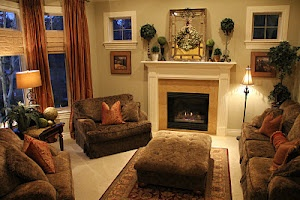 Tuscan Living Room, great site for all sorts of holiday decorating etc.