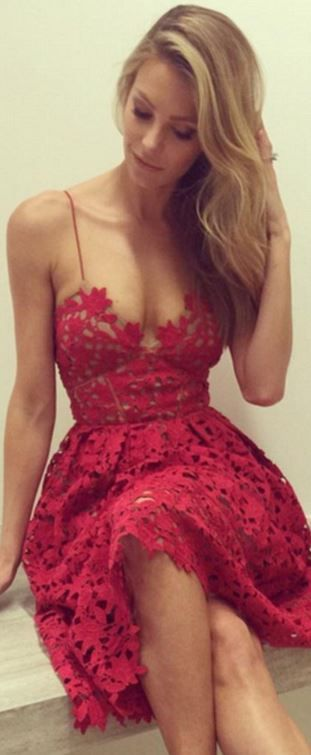 Jennifer Hawkins's red lace dress