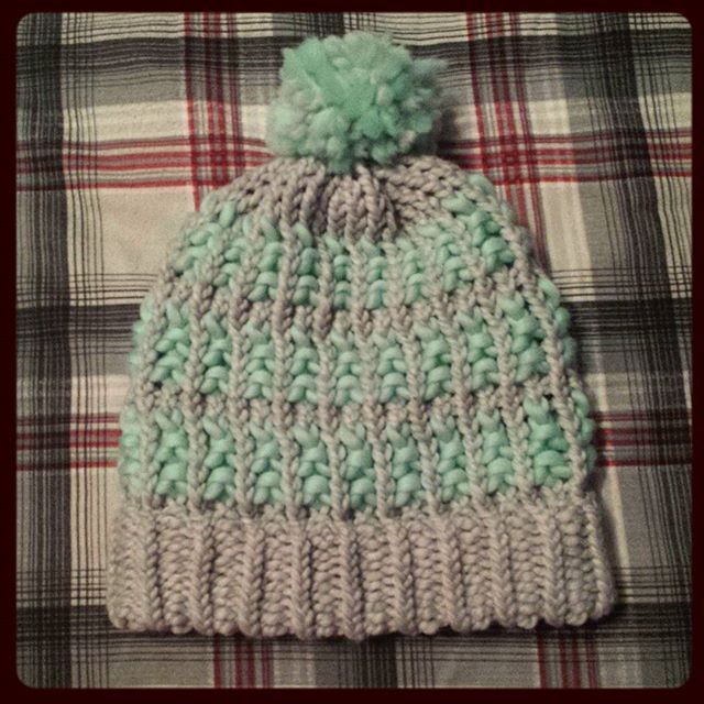 Loom knitted 2 tone hat by @mare_whale_                                                                                                                                                                                 More