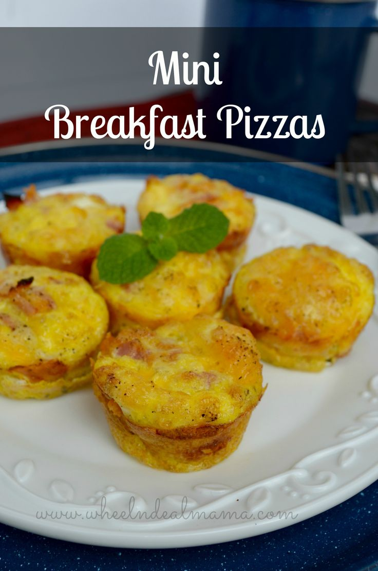 Mini Breakfast Pizzas with Ham and Cheese