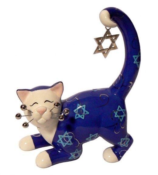 """Звезда еврейской Кот Статуэтка является уникальным, качество коллекционные керамические фигурки из коллекции художника WhimsiClay Эми Лакомб в. Шестиконечная серебряная звезда-брелок болтается от хвоста кошки. Размер: прибл. 7 """"в высоту 6"""" широкий х 3 """"глубоко."""