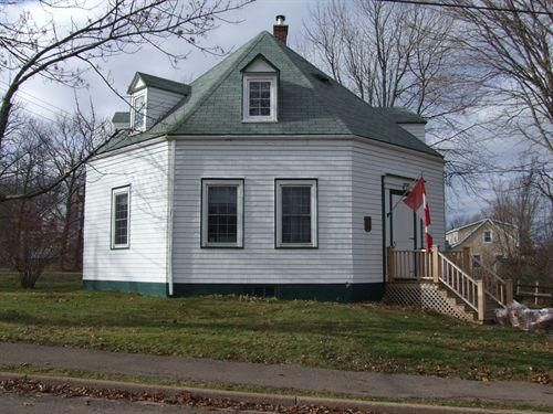 Octagon house in Tatamagouche.