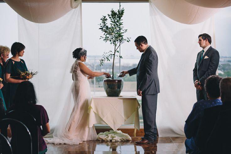 Retama Park Wedding.  Photo courtesy Carlos Barron Jr.