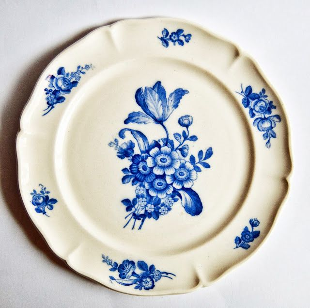 76 besten mettlach bilder auf pinterest becher bierkrug und fliesen. Black Bedroom Furniture Sets. Home Design Ideas
