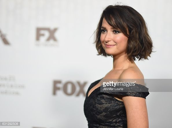 actress-milana-vayntrub-attends-fox-and-fxs-2017-golden-globe-awards-picture-id631292508 (594×444)