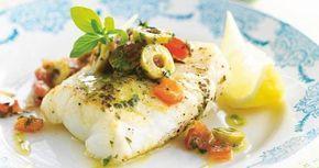 Kabeljauw met warme olijfsalsa - uit: Gezond koken in een handomdraai - Weight Watchers | Lannoo
