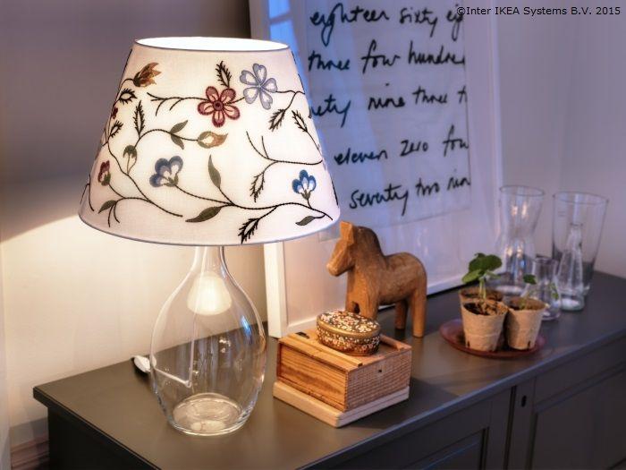 Vine, vine primăvara când aprinzi veioza seara. www.IKEA.ro/abajur_ALVINE PÄRLA