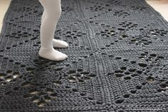 Viktoriaaninen neliö, viktoriaaninen neliö matto, viktoriaaninen matto, Victorian Lattice Square rug, Victorian Lattice Square, virkattu matto, virkattukoti